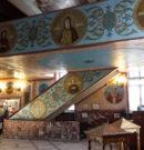 Лики святых на росписях стен
